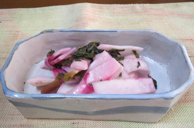 日野菜の甘酢漬け
