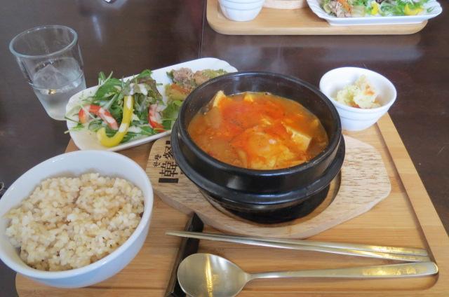 久々ランチは本格派・韓国カフェ